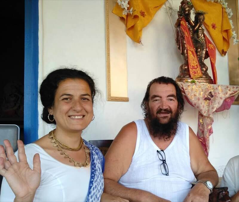 Swamini Maa Kadamba Rajeswari con su querido Sri Guru Diksa